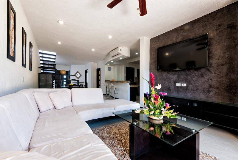 Luxury penthouse with parcial seaview, downtown Playa del Carmen - Image 1 - Playa del Carmen - rentals