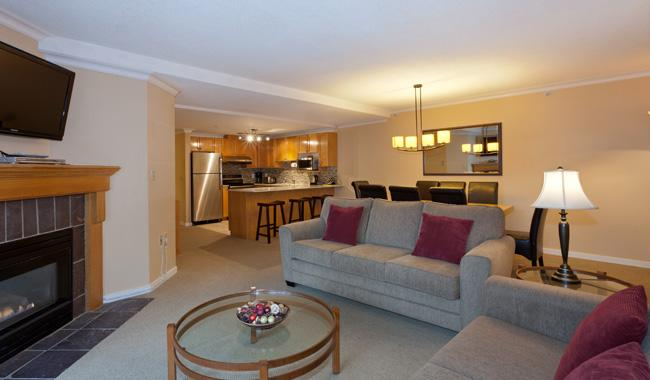 Open Concept Main Living Area - Woodrun 302 | Whistler Platinum | Ski-In/Ski-Out - Whistler - rentals