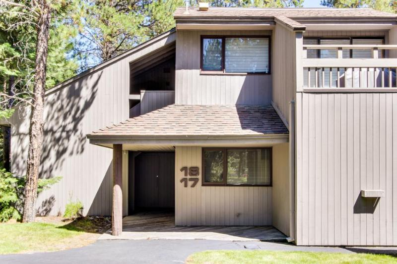 17 Meadow House - Image 1 - Sunriver - rentals