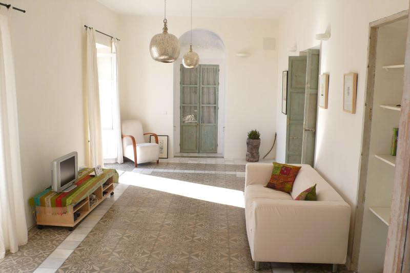 Living Room - Elegant Apartment In Vejer Old Town - Vejer De La Frontera - rentals