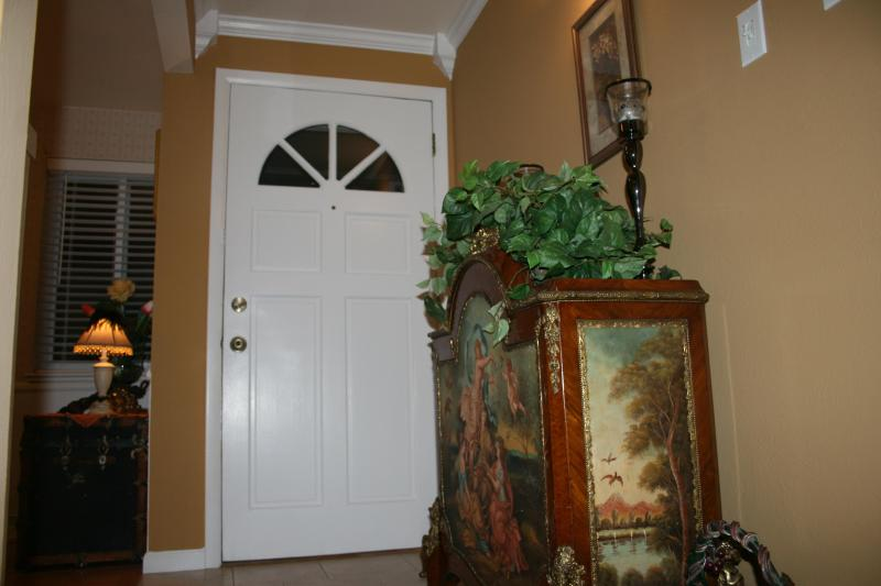 Entryway - Moore Bungalow - Warm, Inviting Home - Easy Access to Denver, Boulder, Golden & Mountains - Arvada - rentals