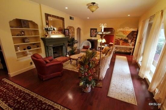 Formal living room with gas fireplace - Beautiful, Two Bedroom Home! A Wonderful City Retreat in El Encanto - Tucson - rentals