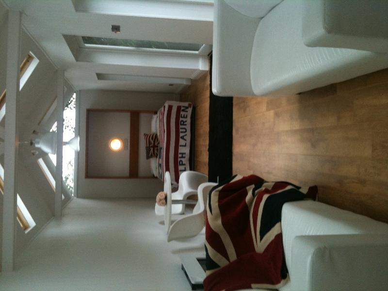 The Summer House Boutique Bed and Breakfast - Image 1 - Buckhurst Hill - rentals
