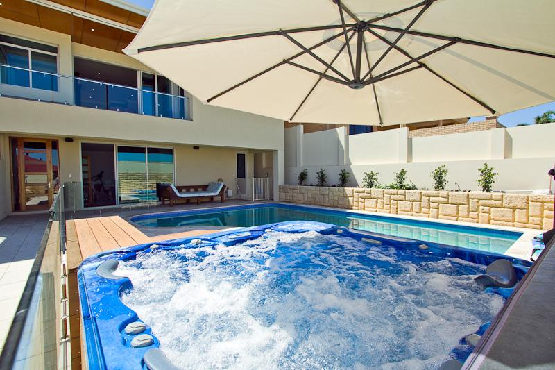 Pool and Spa - The Livingstone house - Fremantle - rentals