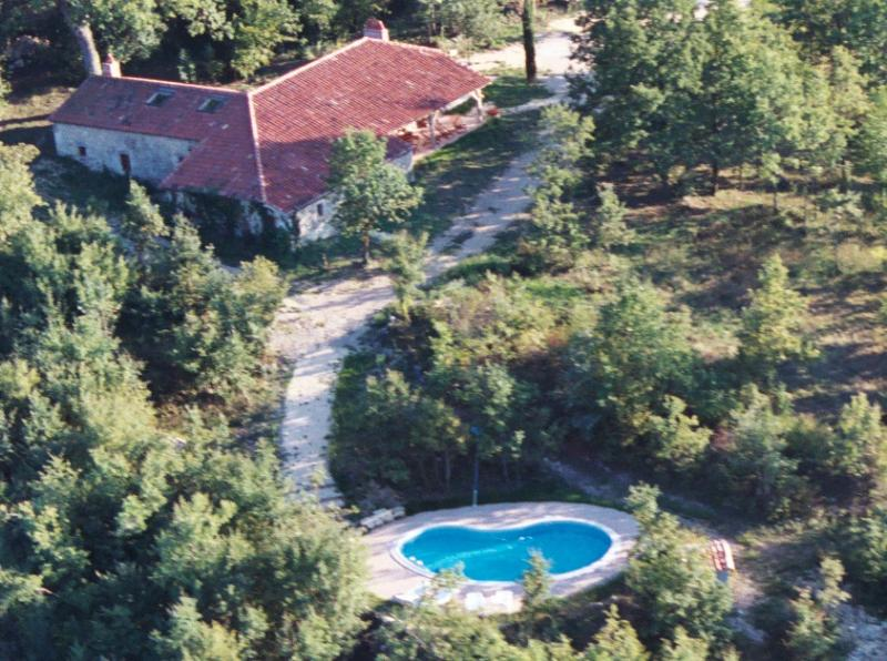 Coustals de La Gabertie and its pool seen by air - Typical old stone farmhouse with private pool - Sleeps 12 - Thezac - rentals