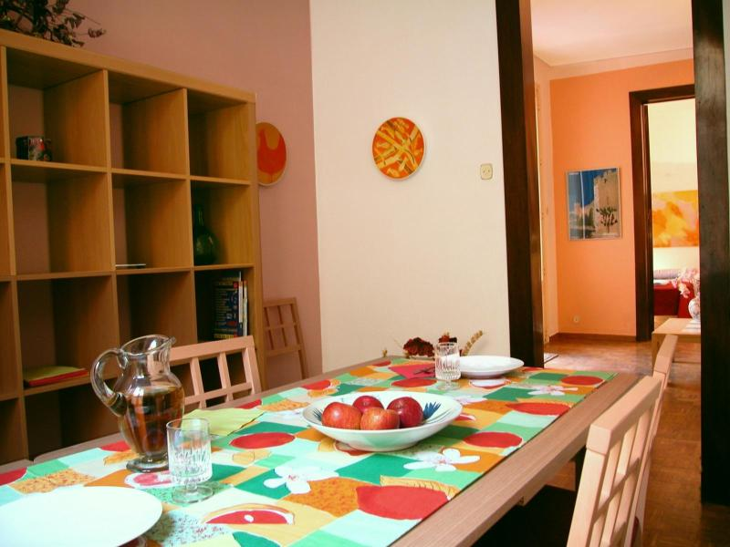 Dining room - Great apartment in the center of Barcelona, old town quite and luminous - Barcelona - rentals