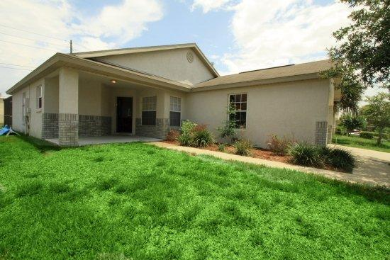 2559 bear creek ct - beautiful  3 bedroom home 3.5 miles from disney! - Kissimmee - rentals