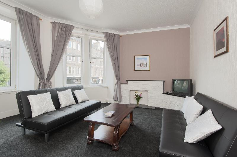 Easter Road City Apartment - Image 1 - Edinburgh - rentals