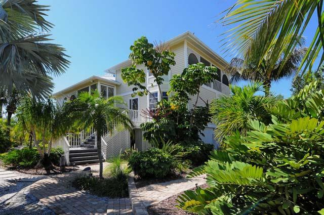 Front Exterior View - Sand Dwellers Home 18 - Placida - rentals