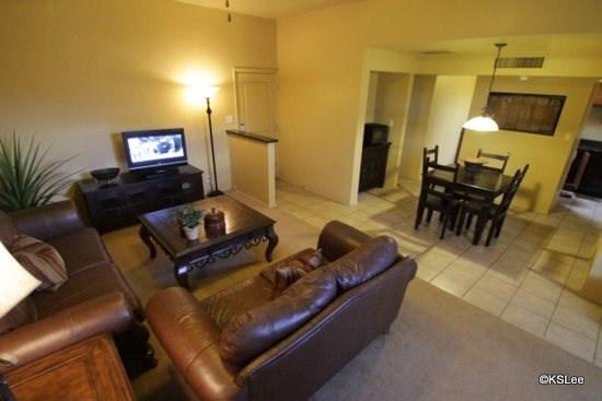 Living room with flat screen TV - Riverside Suites Casita 17 - Tucson - rentals