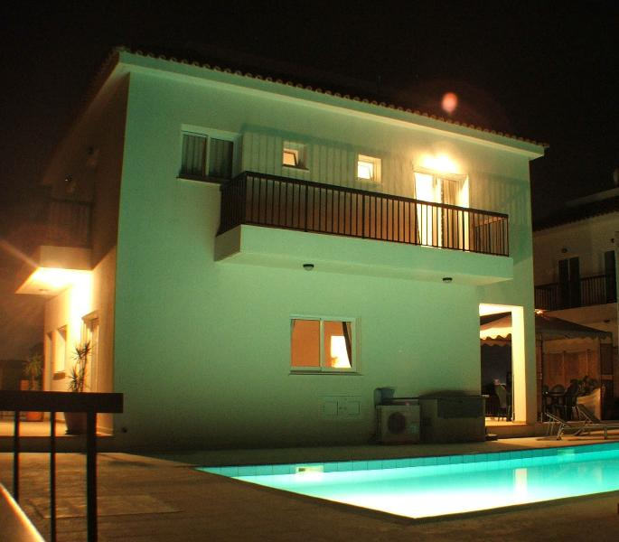 Villa at night - side view - Beautiful detached 4 bed villa with large pool - Protaras - rentals
