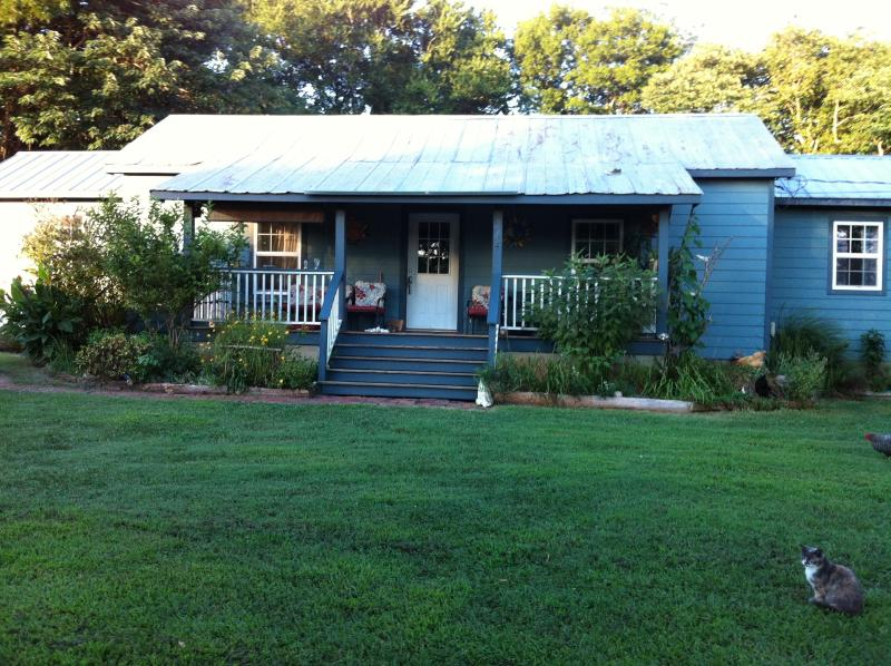 Charming 3 Bedroom Mill House in Bynum - Image 1 - Pittsboro - rentals