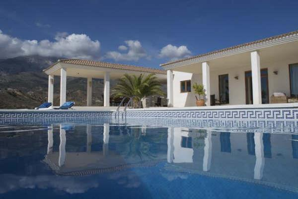 From the poolside - Lovely house with fantastic mountain view+own pool - Malaga - rentals