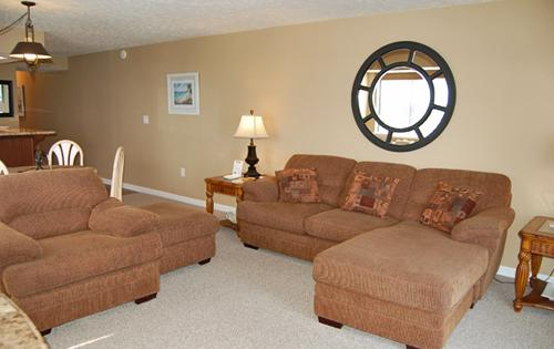 Plenty of plush seating in the living area - Immaculate oceanfront 1BR @ The Oceans, WiFi/HDTV! - North Myrtle Beach - rentals