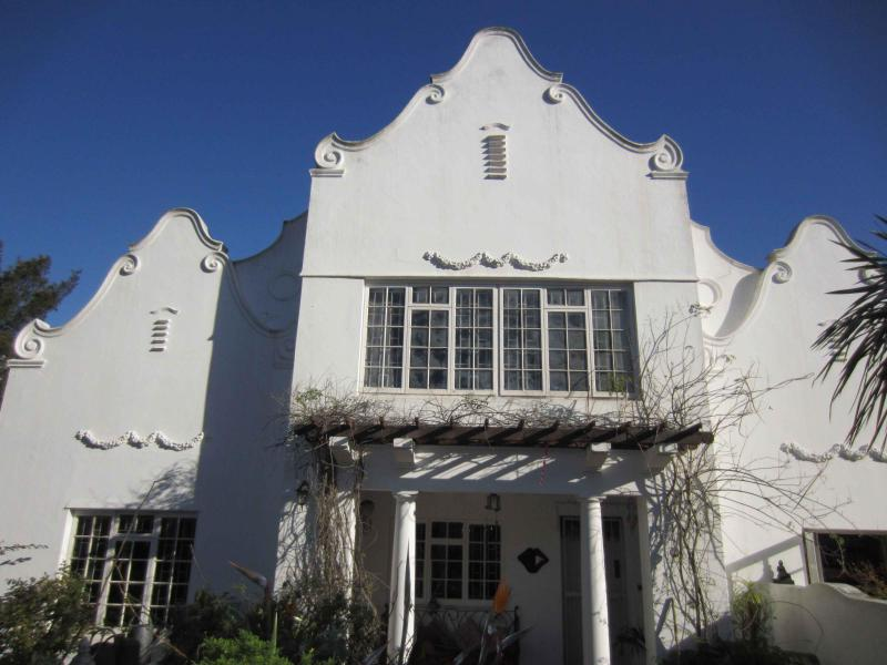 Majestic entrance   - Large Cape Dutch house in Cape Town South Africa - Cape Town - rentals