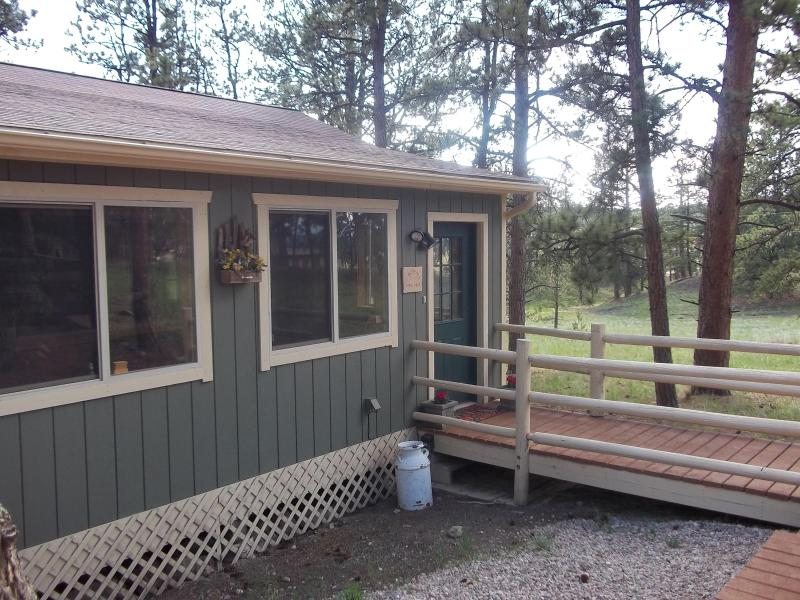 The entry to the Colorado Cottage  - CrippleCreek Breck/Vail Manitou Pikes Peak Springs - Florissant - rentals