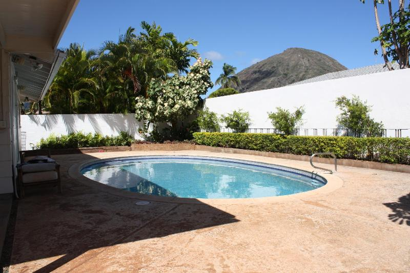 Comfy Luxury, private pool, great location - Image 1 - Hawaii Kai - rentals