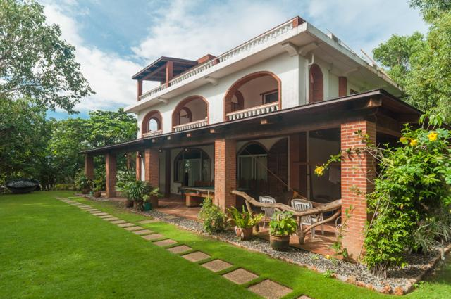House view from the garden - Amihan-Home (Dakong Amihan-Home) - Manoc-Manoc - rentals