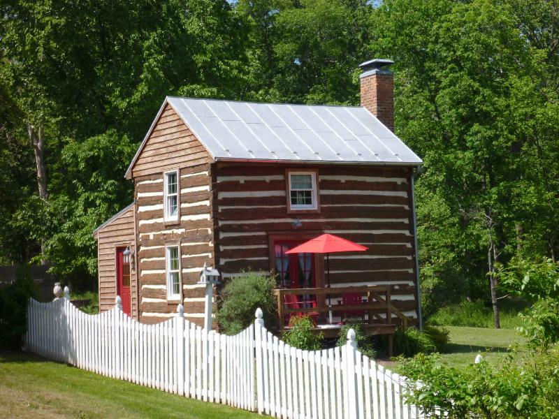 Exterior - The Old Summer Kitchen in Fort Valley, VA - Fort Valley - rentals