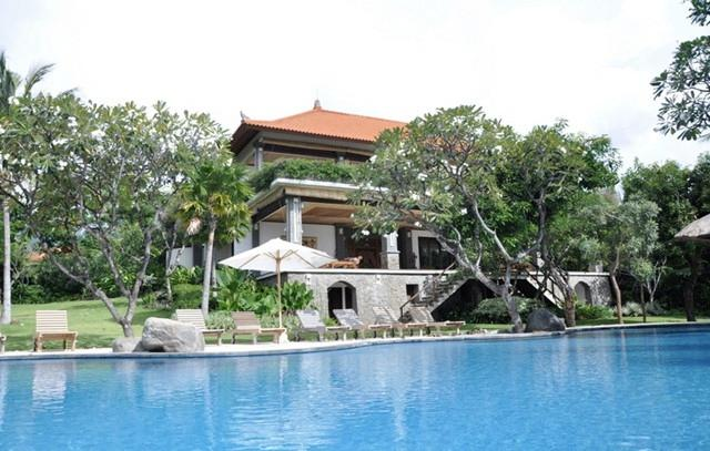 Villa + expansive swimming pool - Palatial Luxurious Villa In The Lovina Hills - Lovina Beach - rentals