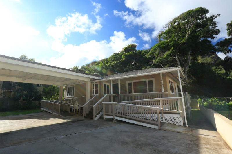 Beachside Getaway Wila House - 3br Home near beach - Image 1 - Laie - rentals