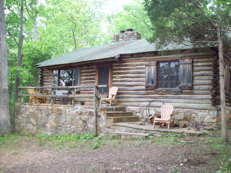 Front stone porch - Riverview Cabin - Front Royal - rentals