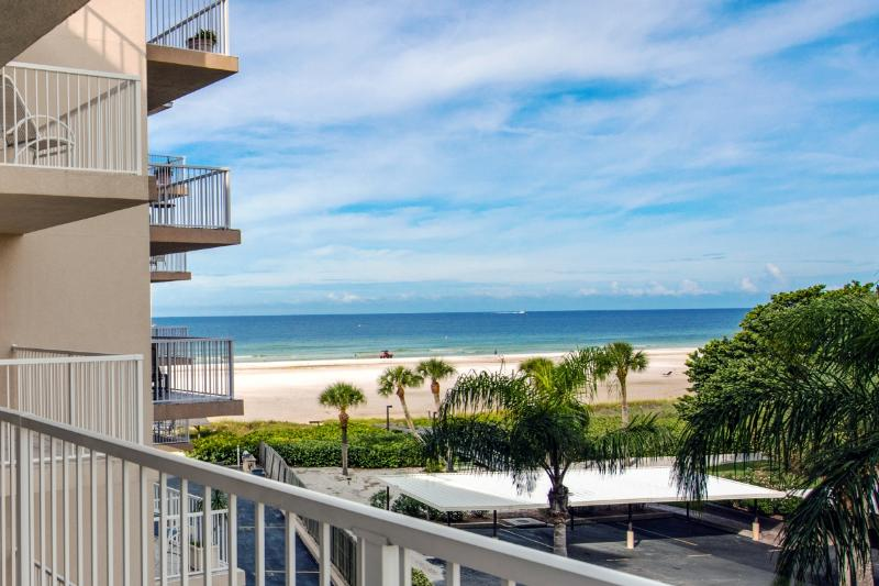Just steps to the sand with fabulous Gulf views! - Prime Location Directly on Crescent Beach! 2BD 2BA - Sarasota - rentals