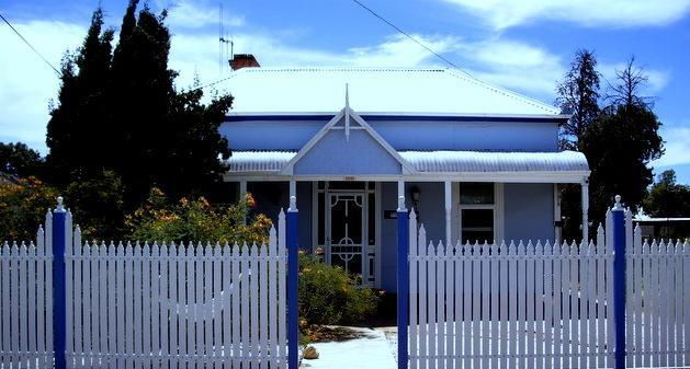 OVERLANDERS - A CHARMING, HISTORICAL COTTAGE IN A QUIET LOCATION - OVERLANDERS - Country Hospitality At A Fair Price - Broken Hill - rentals