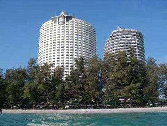 Big apartment, 50 m from the beach for rent Rayong - Image 1 - Rayong - rentals