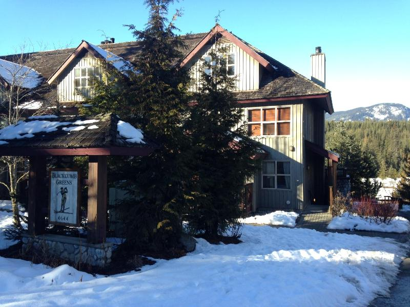 3 Bed Beautiful Home Mountain & Golf Course Views - Image 1 - Whistler - rentals