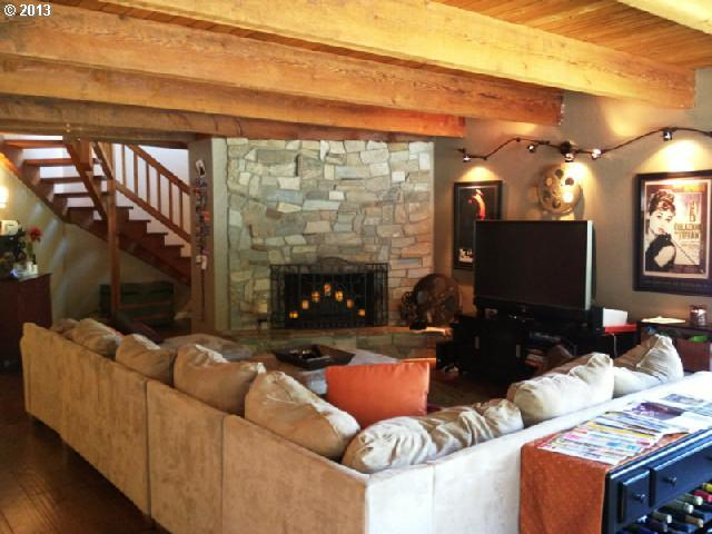 Great Room - opens to kitchen  - Luxury 7 Bedroom estate- golf or family reunion! - Bandon - rentals