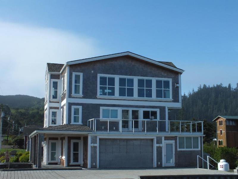North side of home - Luxury Ocean View Home - Cape Meares - rentals