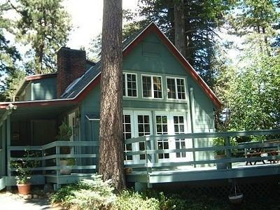 Beautiful Mountain Cabin in Skyforest - Charming Cabin Nestled Among the Pines and Dogwoods - Lake Arrowhead - rentals