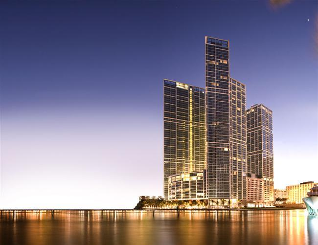 Building - STUNNING 2 BD APT ON ICON BRICKELL, DOWNTOWN MIAMI - Miami - rentals