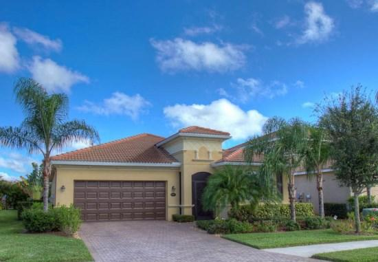 Front of home - (RS42) Beautiful 3 Bedroom 2 Bathroom Lakeside Home with Oversized Lanai with Pool and Spa - Bradenton - rentals