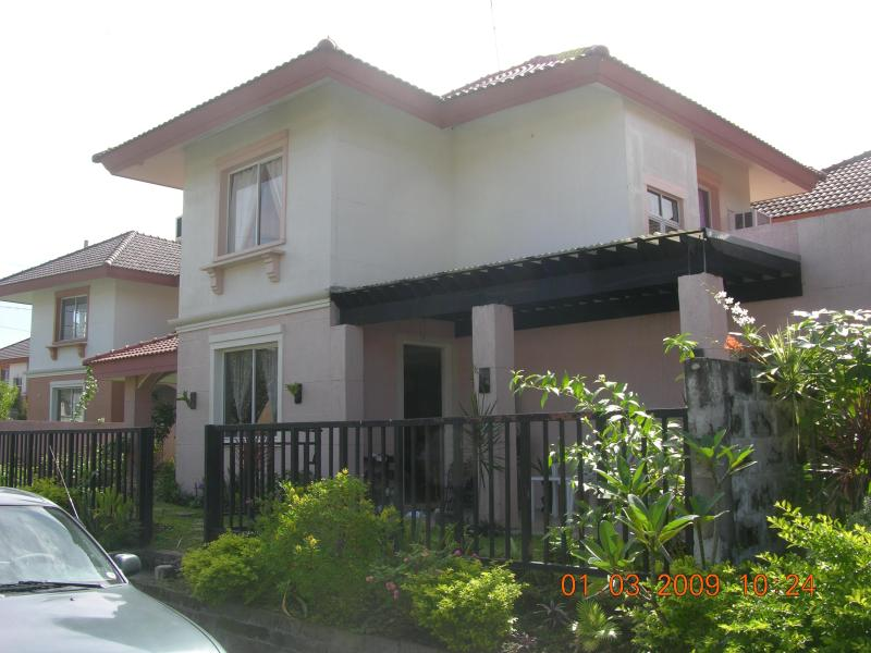 side view - 3 Bedroom House,Sta rosa est 2, Laguna, - Santa Rosa - rentals