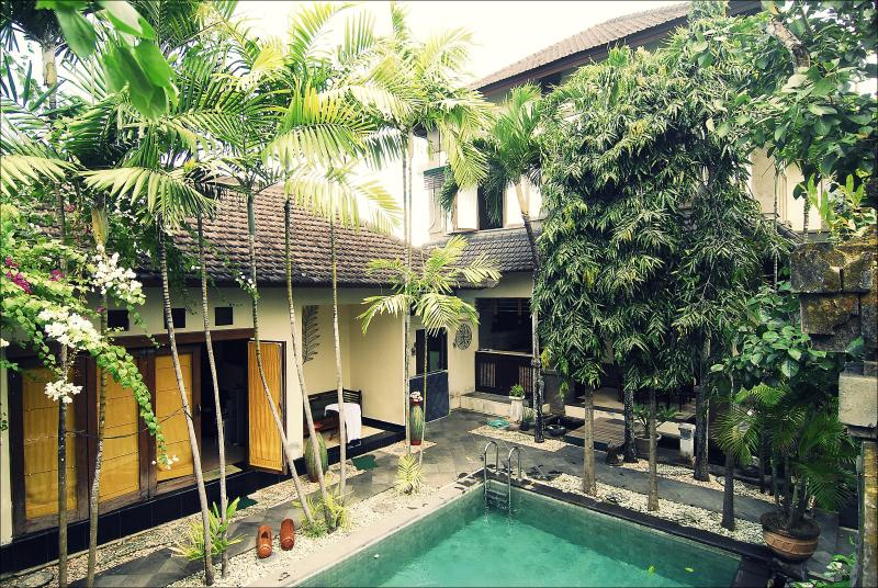 Pool, bungalow, house - Villa Rumah Badung, great family accommodation - Denpasar - rentals