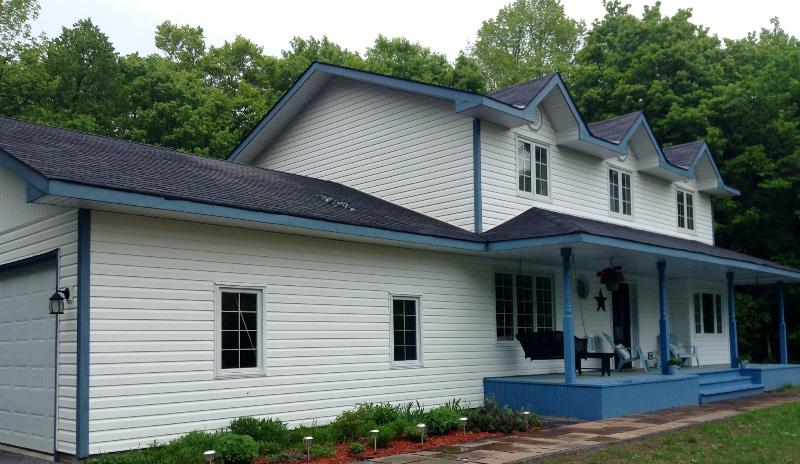 Relax in a Immaculate  Home in Muskoka Very Private - Image 1 - Muskoka - rentals
