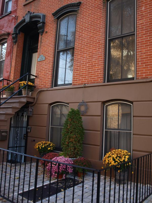 Front Building - New York City Metro Area Apartments - Jersey City - rentals