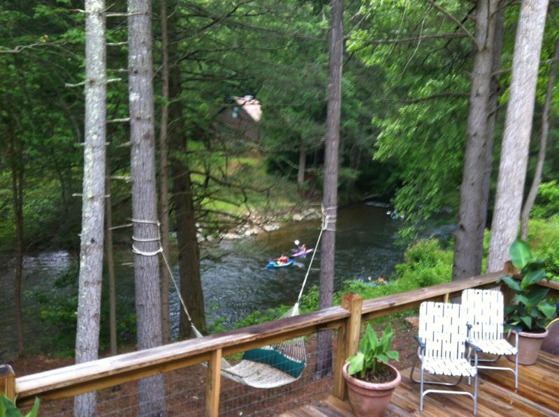 TOCCOA RIVER VIEW - Rock Creek Retreat Overlooking The Toccoa River!!! - Suches - rentals
