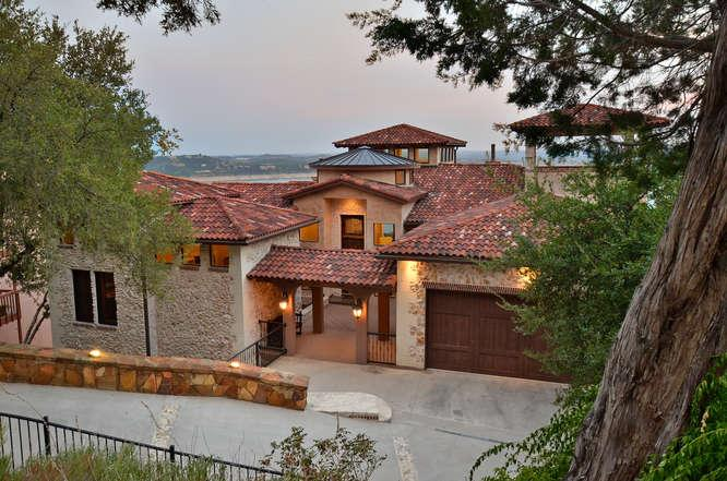 3 Story Spanish Vila with panaromic Lake views - LAKE TRAVIS SPANISH VILLA /INCREDIBLE LAKE VIEWS/SLEEPS 12 - Austin - rentals