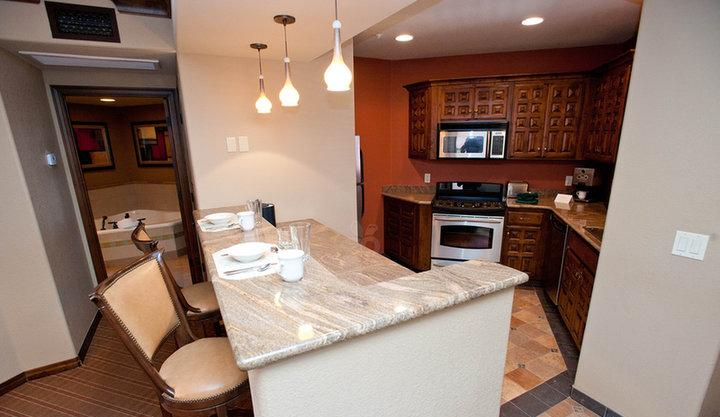 2 Bedroom Mesa Suite Kitchen - Spacious 2 BR/2BA Condo -Sedona Summit Resort. Red Rock Views. Year Round Heated Pools. Great Fall Rates and Availability. - Sedona - rentals