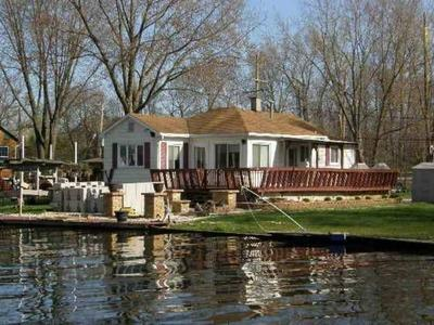 Newly Remodeled LakeHouse Chain of Lakes Waterfront - Image 1 - Antioch - rentals