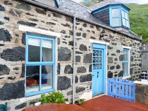 GUILLEMOTS, traditional stone cottage, sea views, near coast, in Gardenstown, Ref 24572 - Image 1 - Gardenstown - rentals