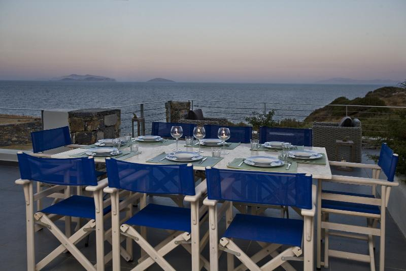dining in the veranda - Beachfront House with breathtaking sea view and private beach - Naxos - rentals