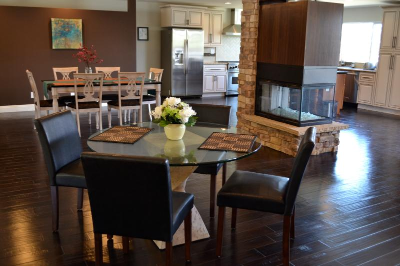 Open Concept great room, two dining rooms and two living rooms, bar - Luxury Private Retreat with Spa and Panoramic view - Carlsbad - rentals