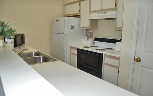 Kitchen - Cozy 1BR, River Oaks, pools/WiFi/great golf - Myrtle Beach - rentals