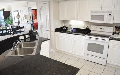 Modern kitchen - Giant luxury 4BR @ Yacht Club 1-204, huge pool! - North Myrtle Beach - rentals