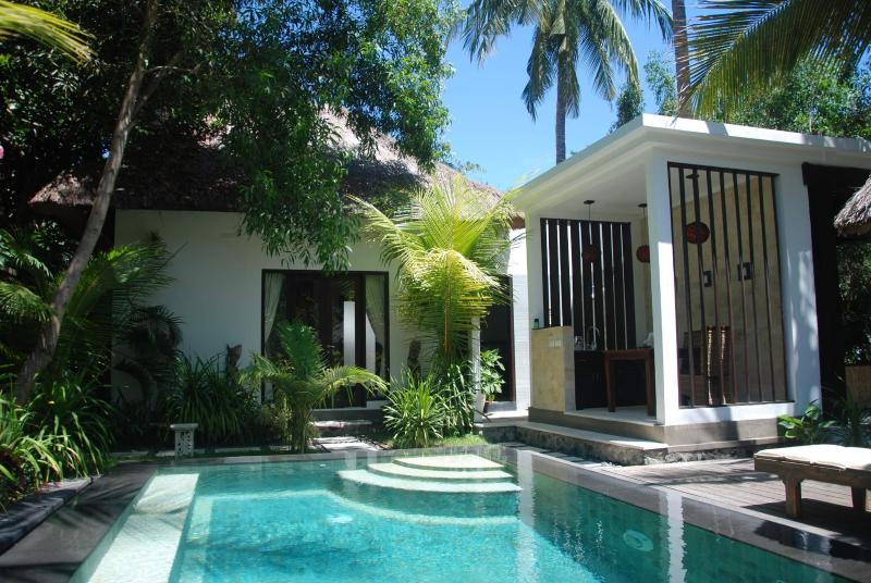 1BR Bechfront villa / ocean view / diving / spa - Image 1 - Candidasa - rentals