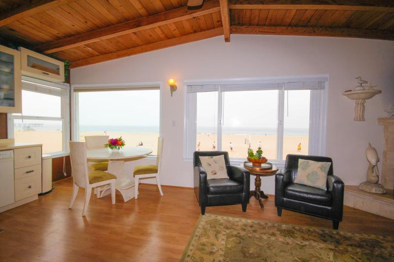 Casa Mira Costa Great Room View - Ocean Front Panoramic Views with Great Reviews - Hermosa Beach - rentals